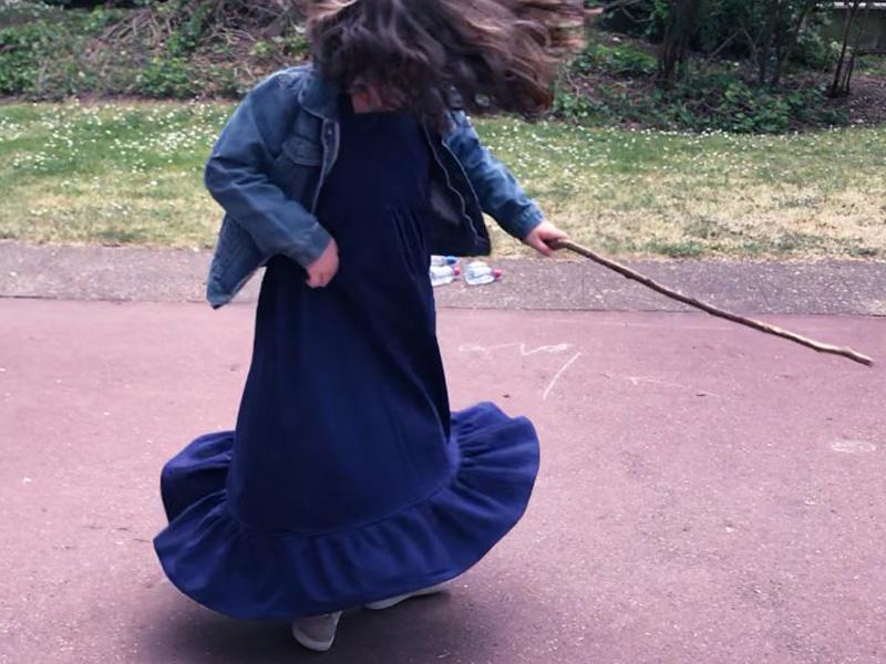 Robe Poppy et le jeu de quilles