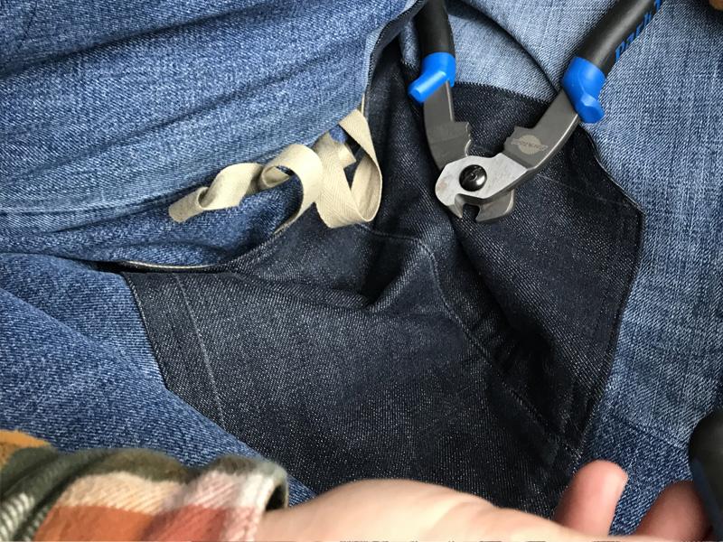 Un tablier en récup de jeans
